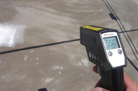 香港碧荔道雅廬天面使用CG100TIC水泥系隔熱保溫塗料施工前溫度比較