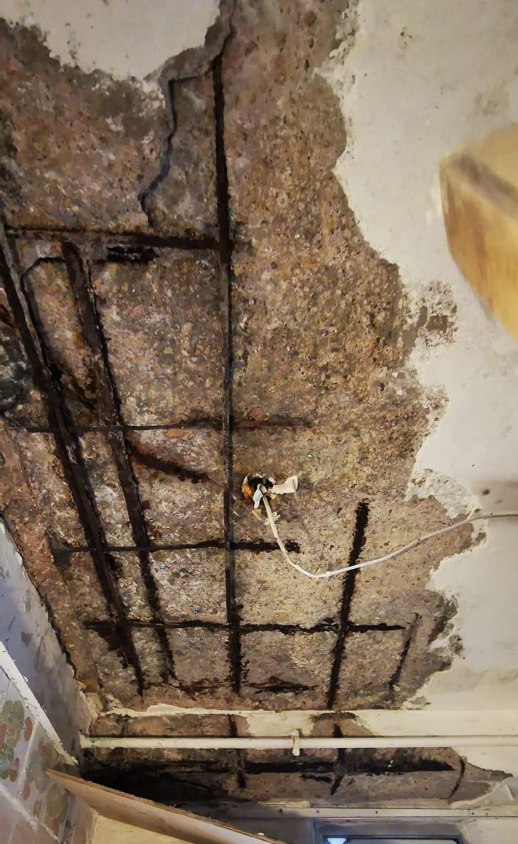 金屬轉鏽/轉銹防護系列材料是維修石屎剥落士波寧及其他與金屬有關材質的必需品。產品可以將金屬表面的鐵鏽/鐵銹轉化成無機保護層,防止金屬再次鏽蝕。